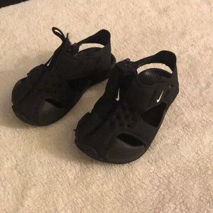Nike baby shoes size 3